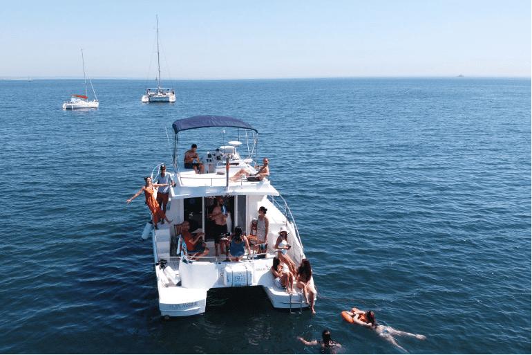 770x513_Catamaran_Boat_Lisbon_1