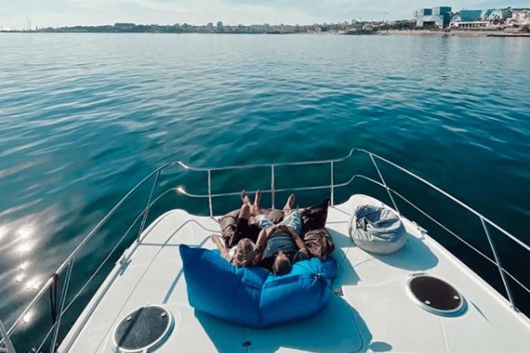 770x513_Catamaran_Boat_Lisbon_4