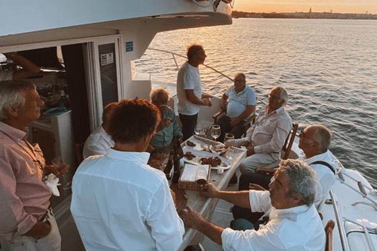770x513_Catamaran_Boat_Lisbon_6