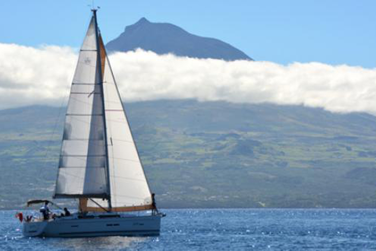 770x513_boat_charter_azores_13