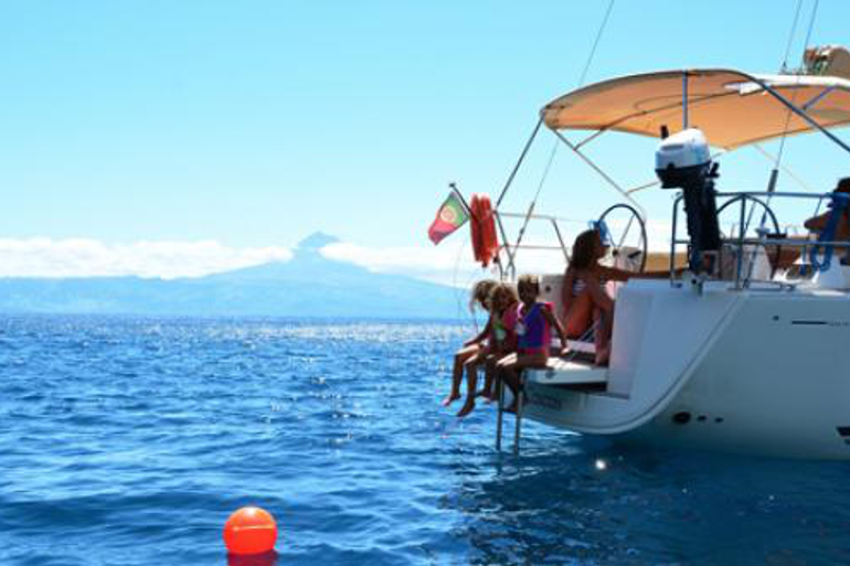 770x513_boat_charter_azores_14