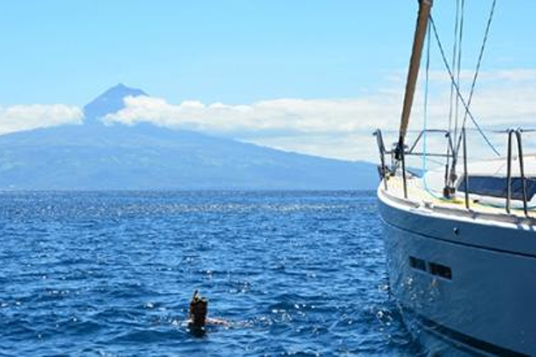 770x513_boat_charter_azores_15